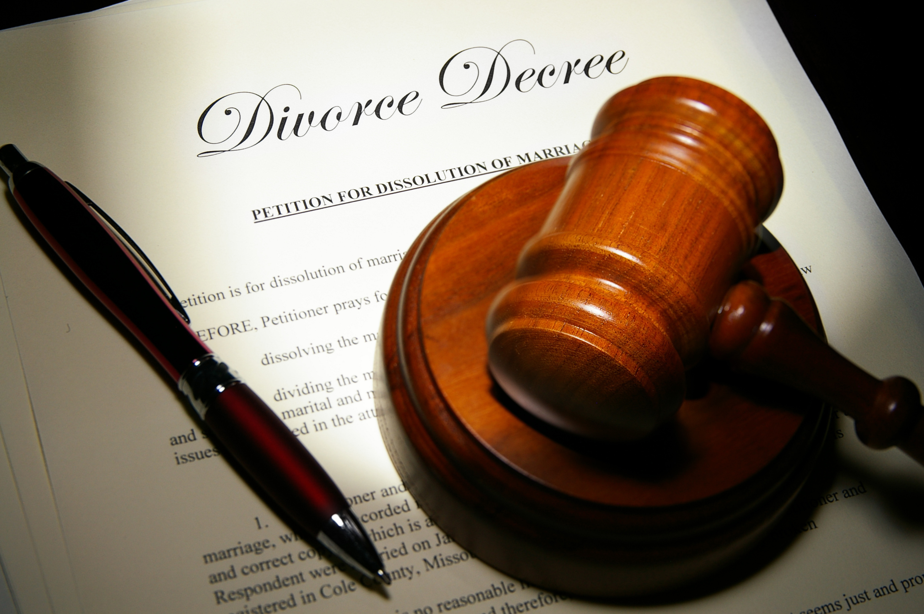Reasons to Pertain the Expertise of Family Divorce Lawyers